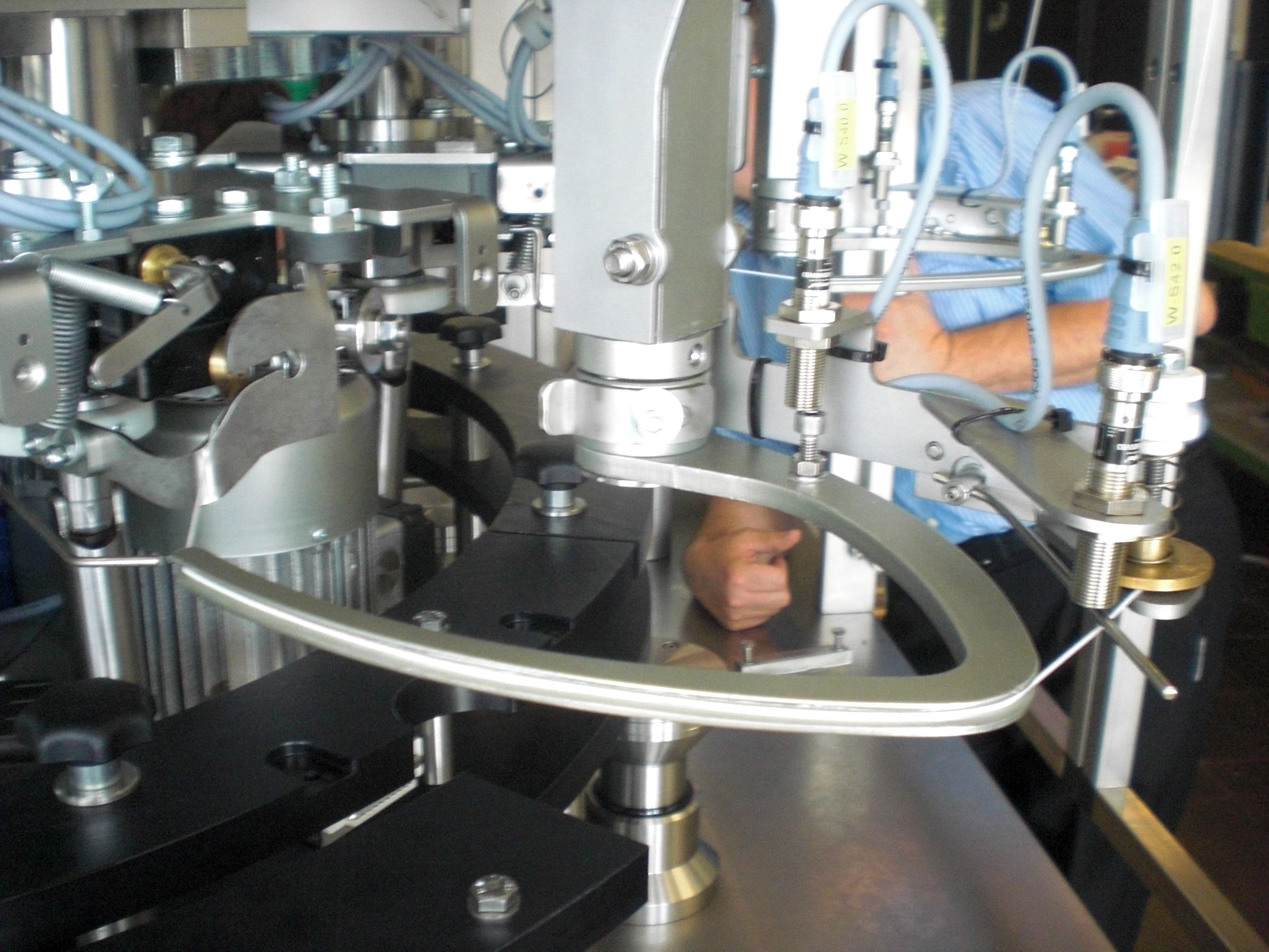String Tying Machine Raupack UK and Ireland