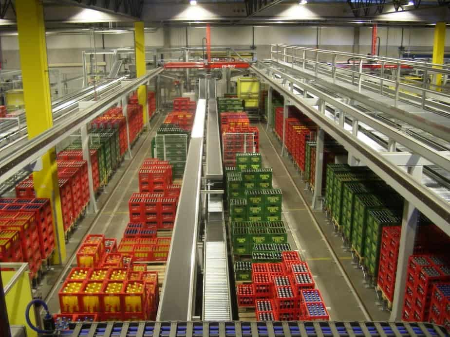 Order Picking in Drinks Distribution Centre - Raupack UK and Ireland